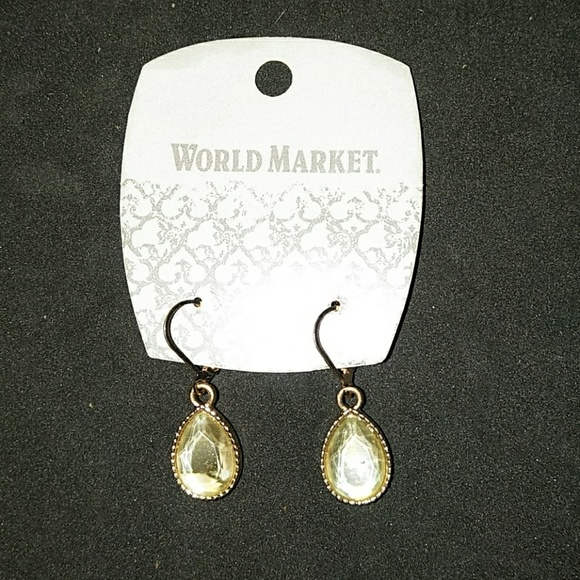 cd6c023d37c07 World Market Earrings NWT